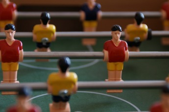 foosball-table-189843_1920